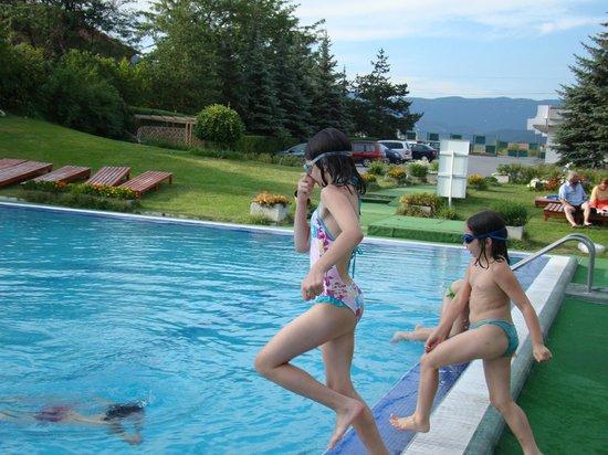 Hotel Vitosha:                   The group fun