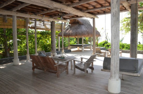 Nikoi Island:                   open living room