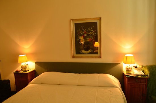 Hotel Il Poeta Dante:                   Our Room- 103