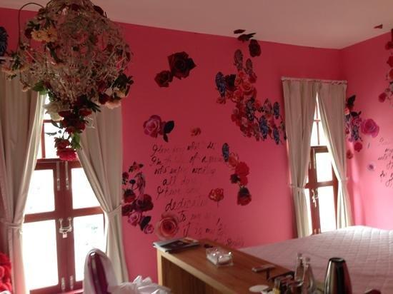 Pimnara Boutique Hotel:                   Pretty room✨