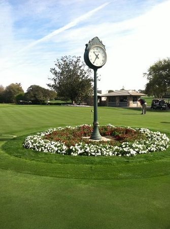Arnold Palmer's Bay Hill Lodge:                   putting green just behind clubhouse grill and dining room.