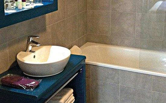 Appart'City Confort Lyon Cité Internationale : Park&Suites Elegance Lyon Cite Internationale - Bathroom
