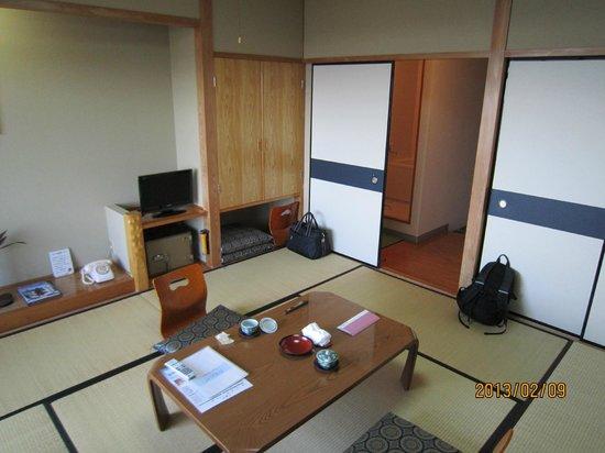 Ahizuri Kokusai Hotel :                   部屋は清潔で、くつろげました。