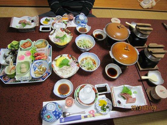 Ahizuri Kokusai Hotel :                   夕食。個室なのでゆっくりできました。