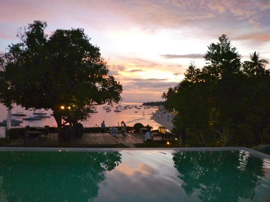 Amorita Resort:                   sunset by the infinity pool