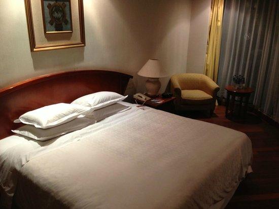 Bandara Hotel:                   room