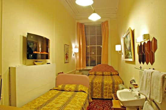 Lyncliff Hotel: Family Room for three person