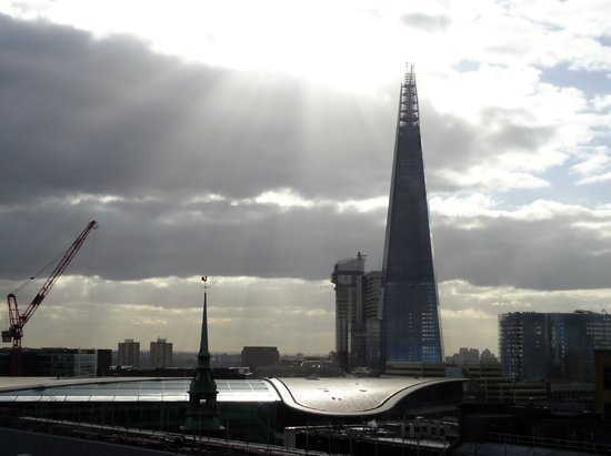 DoubleTree by Hilton Hotel London -Tower of London:                   the Shard!