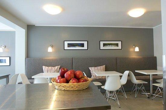 Guesthouse Sunna: Breakfast area