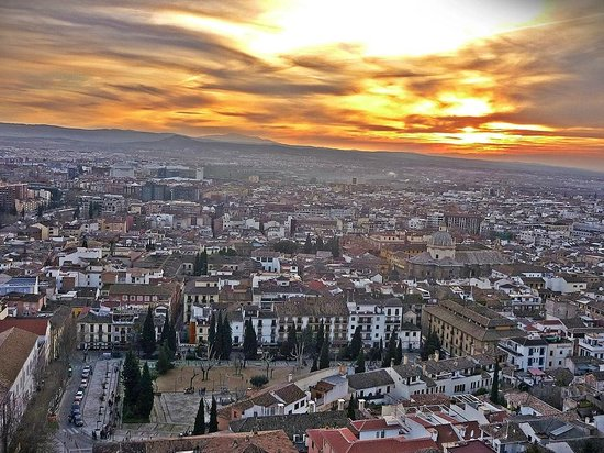 Hotel Alhambra Palace:                   Un espectáculo