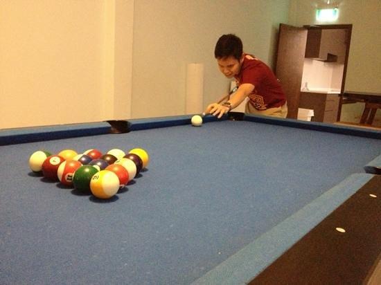 GUSTI Bed & Breakfast Singapore:                   pool table