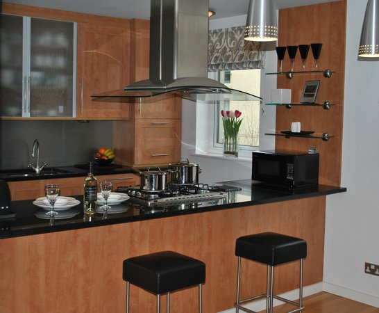 Dreamhouse Apartments Holyrood : Kitchen