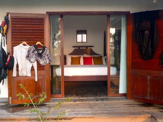 Kanan Beach Resort:                   AMAZING ROOMS - you can open it up to the view or close it for privacy
