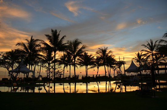 The Samaya Bali Seminyak:                   Wonderful sunset