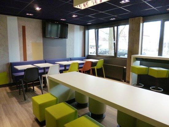 Ibis Budget Karlsruhe: heller und freundlicher Frühstücksraum