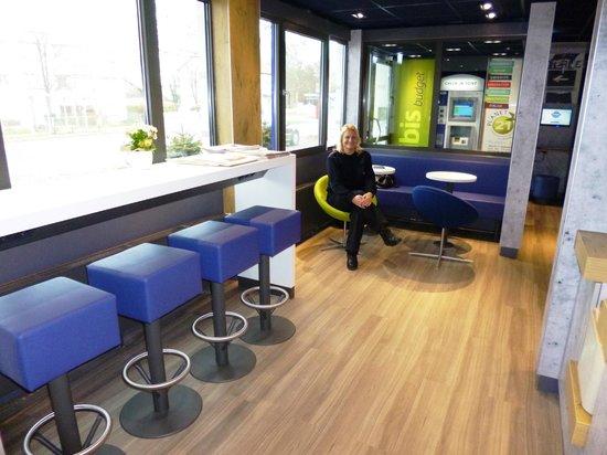 Ibis Budget Karlsruhe: einladende Businessecke
