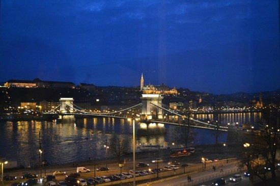 Sofitel Budapest Chain Bridge:                   vue de la chambre
