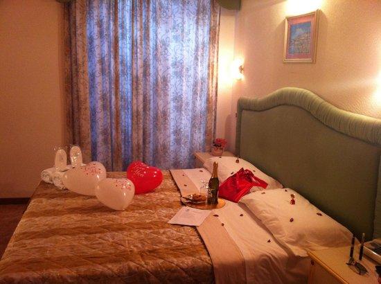 Hotel Corso:                   La camera...