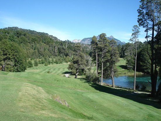 Bellevue Bed & Breakfast:                   Am Tee 1 vom GC Llao Llao