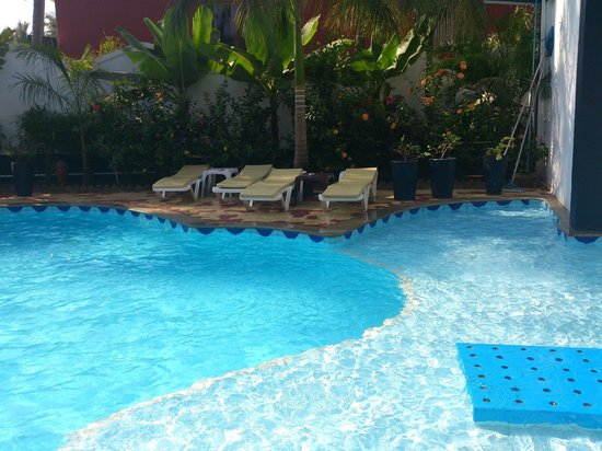 Santana Beach Resort:                   splash pool