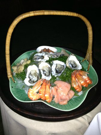 Breeze at The Samaya Seminyak:                   Chilled sea food basket