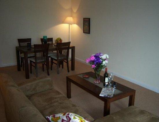 Dreamhouse Serviced Apartments Aberdeen: Livingroom