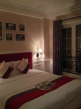Calypso Suites Hotel:                   Zimmer                 