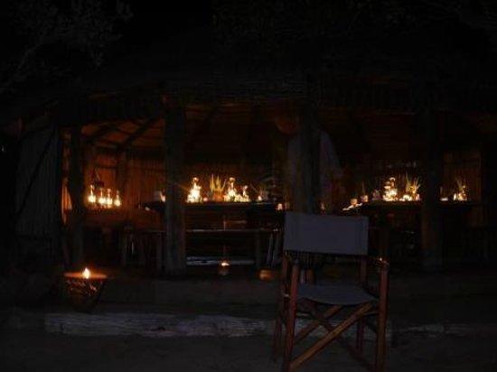أومالني بوش كامب - لودج:                   Comedor                 