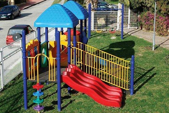 Hotel-Apartments Reuma-Sol :                                     Parque infantil - Lekeplassen - Children's playground