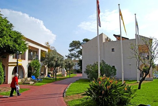 Hotel-Apartments Reuma-Sol:                                     Entrada - Inngang - Entrance