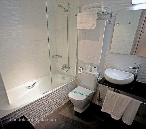 Hotel Del Pui:                   Baño