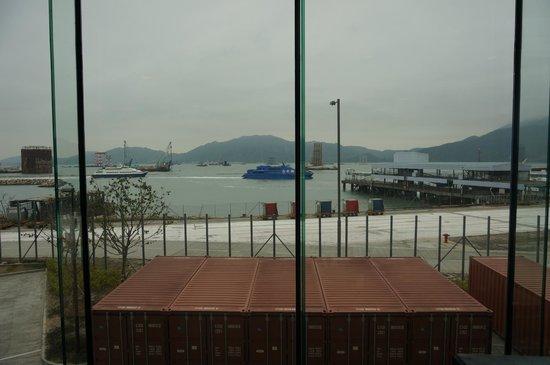 Hong Kong SkyCity Marriott Hotel:                   View