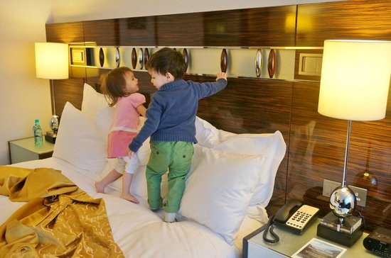 Hong Kong SkyCity Marriott Hotel:                   Kids enjoy the bed