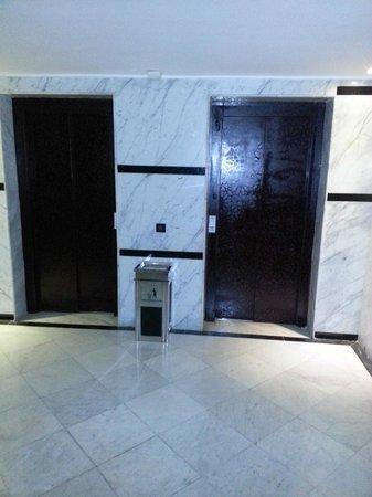 Hotel Almas:                                     asenceur