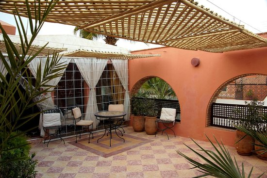 Maison Arabo Andalouse:                   Our terrace