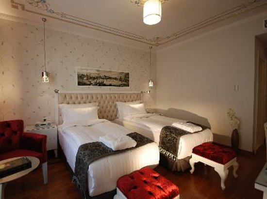Hotel Amira Istanbul:                   our kids room