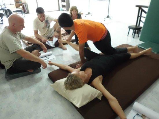 Rawai, Tailandia: Massage class