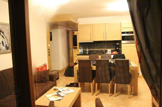 cuisine - living - Picture of CGH Residence Les Chalets de Flambeau ...