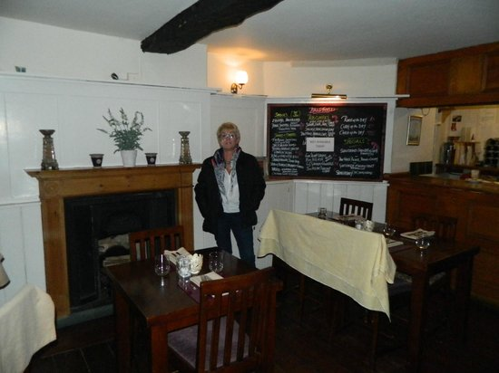 The George at Brailes:                   Quaint dining room