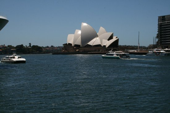 Holiday Inn Old Sydney:                   Opera House