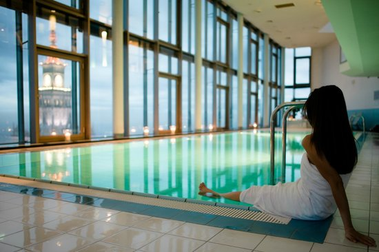 InterContinental Hotel Warsaw: IC Warsaw RiverView Swimming pool