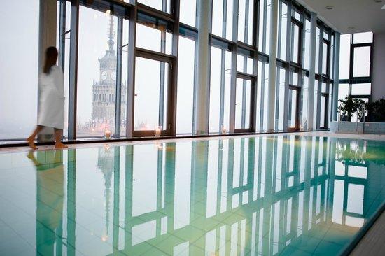 InterContinental Hotel Warsaw: IC Warsaw RiverView Swimming pool