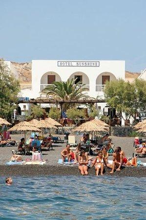 Sunshine Hotel: beach hotel