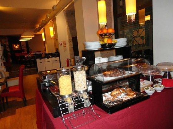 達爾瑪飯店照片