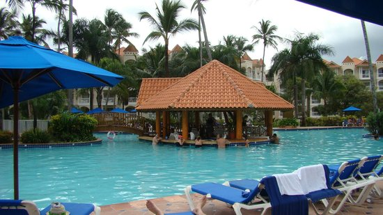 Occidental Caribe:                   bar dans la piscine