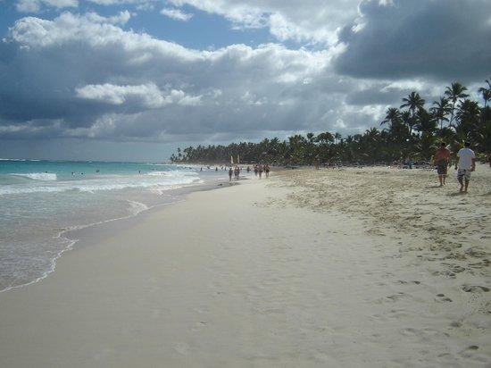 Barcelo Punta Cana:                   marches sur la plage