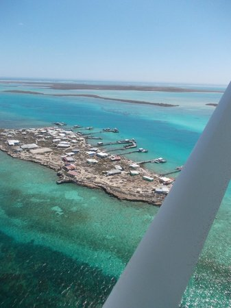 Geraldton Air Charter:                   A fishing camp on Little Bird Island