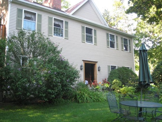 Steep Acres Farm Bed & Breakfast: Your destination for a relaxing vacation