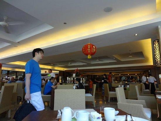 Discovery Kartika Plaza Hotel:                   朝食会場