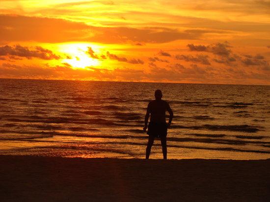 Orangea Village:                   tramonto